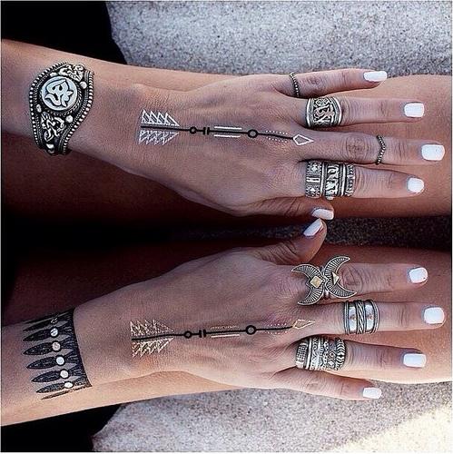 Temporäre Tattoo für Mädchen an der Hand