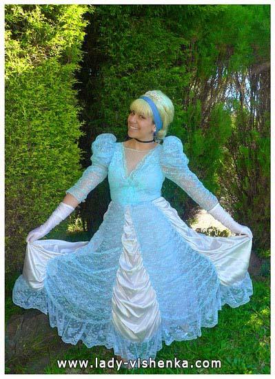 Cinderella Outfit für Halloween