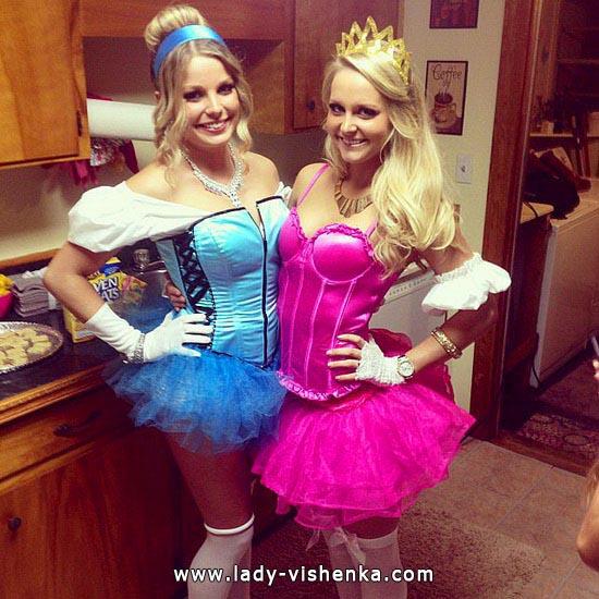 Kurzes Kleid von Cinderella auf den Halloween
