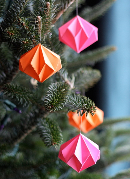 Weihnachtsschmuck aus Papier Photo
