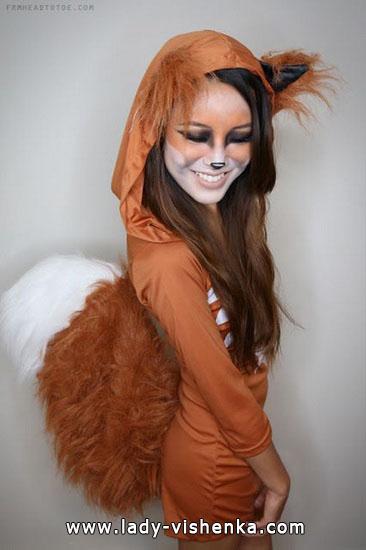 Anzug rothaarige Katze auf Halloween