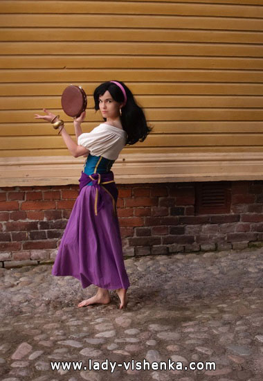 Anzug auf der Esmeralda Halloween