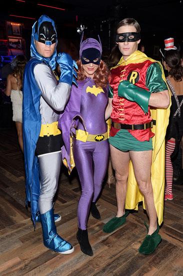 Batman, Mädchen Batman und Robin auf Halloween