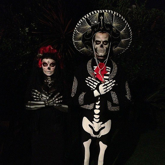 Promi-Kostümen auf Halloween - Skelette