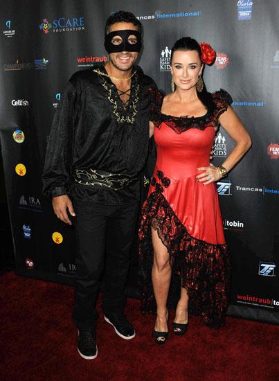Promi-Halloween-Kostümen - Zorro und Elena