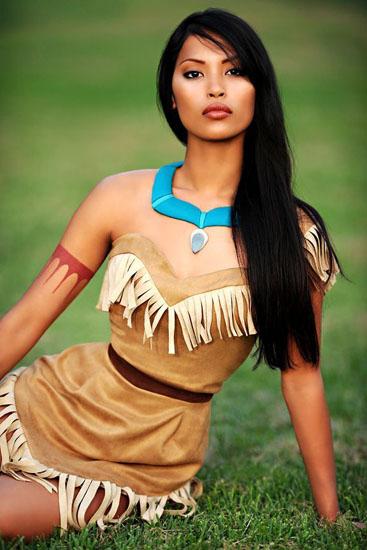Pocahontas schönes Kleid auf Halloween