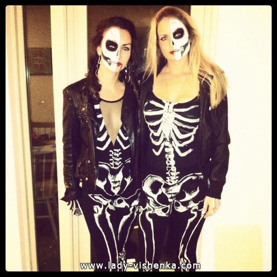 Kleidung für Halloween - Skelett Kostüm für Mädchen
