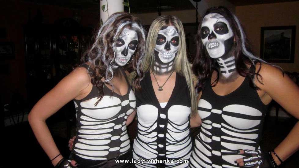 Image Skelett an Halloween mit Ihren Händen