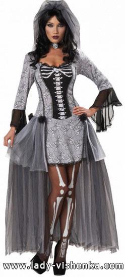 ein Schönes Kleid für Halloween - Skelett