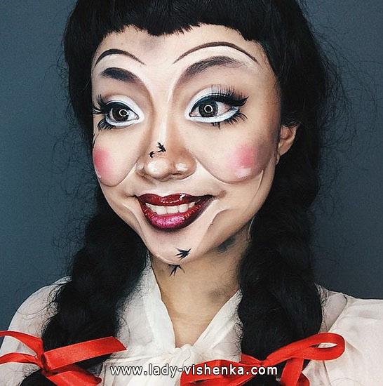 make-up für Halloween - eine schreckliche Puppe