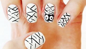 Nail Design Halloween — Mumie