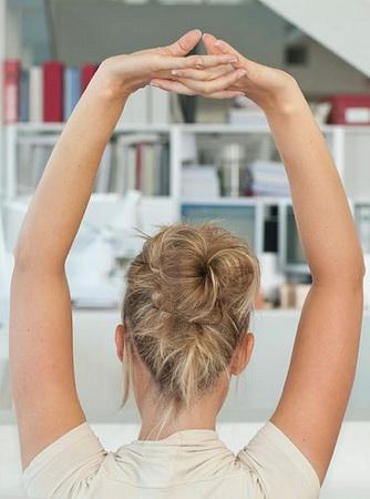Wie man Gewicht verlieren in sitzender Tätigkeit