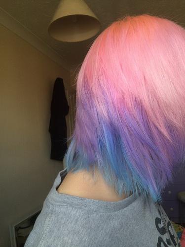 Sanfte Haarfarbe im Stil Pastell