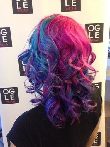 Haarfarbe Streifen - locken