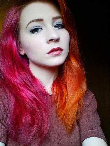 Zwei Farben auf dem Haar