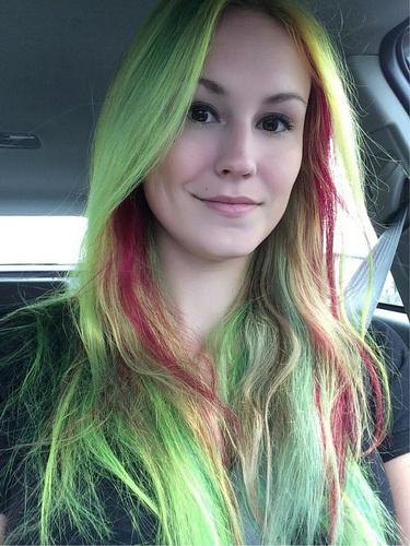 Zwei Farben der Haare - Elektriker