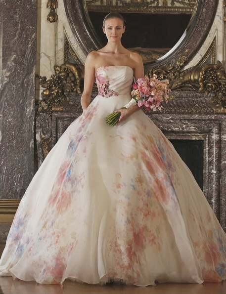 Hochzeitskleid in der Farbe rosa - Romona Keveza