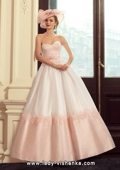 Rosen-Hochzeits-Kleid - Tatiana Kaplun