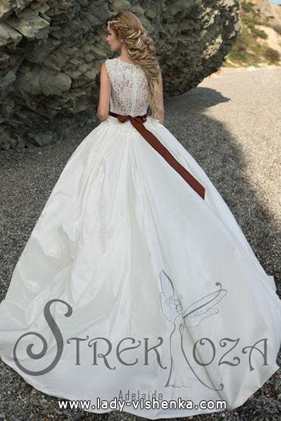 Üppigen Hochzeitskleider Foto - Strekoza