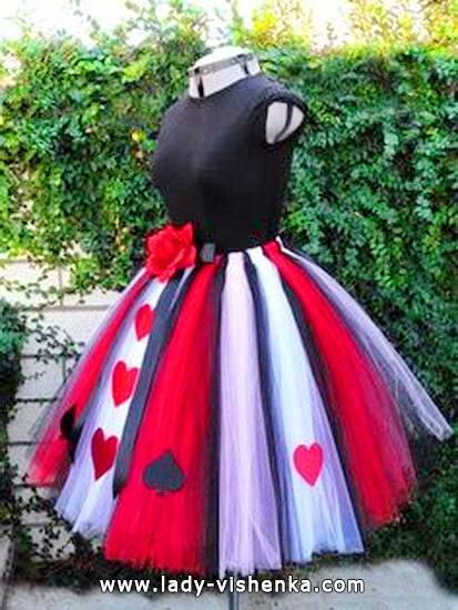 Sexy Kostüm Königin der Herzen auf der Halloween