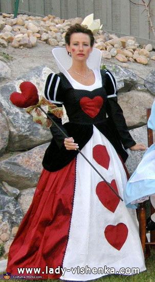 Langes Kleid Königin der Herzen