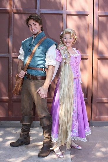 Rapunzel und Flynn auf Halloween