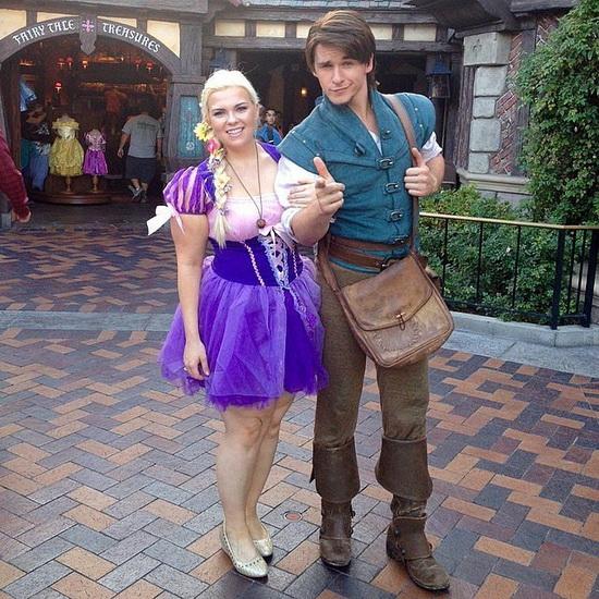 Kurze Kostüm Rapunzel und Flynn auf Halloween