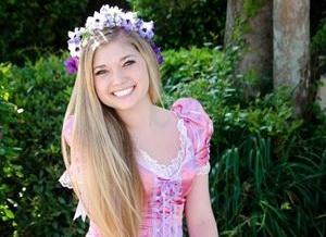 Rapunzel auf Halloween mit Ihrem Haar