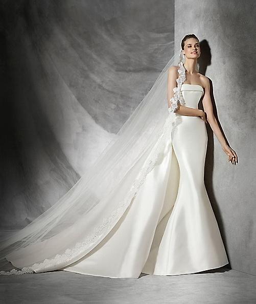 Satin-Hochzeits-Kleid - Fisch - Pronovias