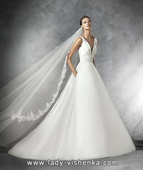 Hochzeitskleid aus Satin 2016 - Pronovias