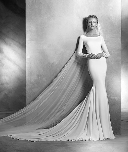Hochzeitskleid aus Satin mit schleppe - Pronovias-Foto-2016