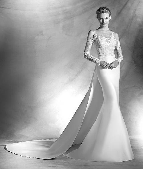 Hochzeitskleid aus Satin mit Spitzen-ärmeln und schleppe - Pronovias 2016