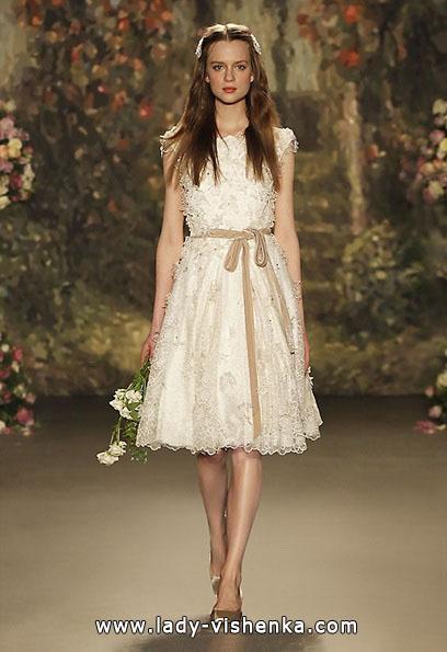 kurze Spitze Hochzeitskleid von Jenny Packham