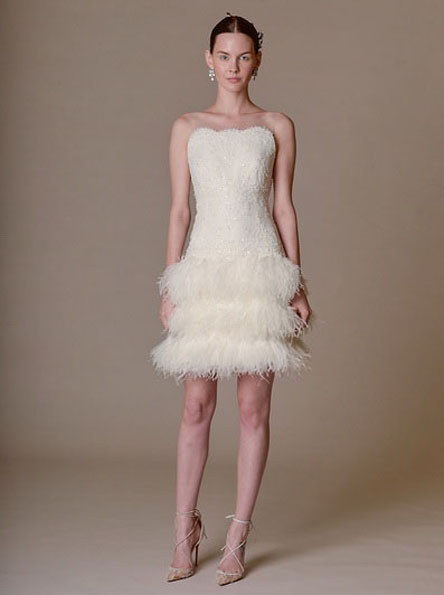 Hochzeits-Kleid mit einem kurzen Rock 2016 - Marchesa