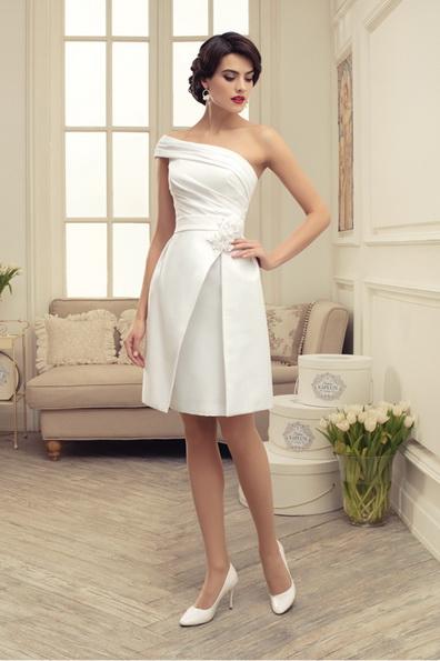 ein Schönes kurzes Hochzeitskleid 2016 - Tatiana Kaplun