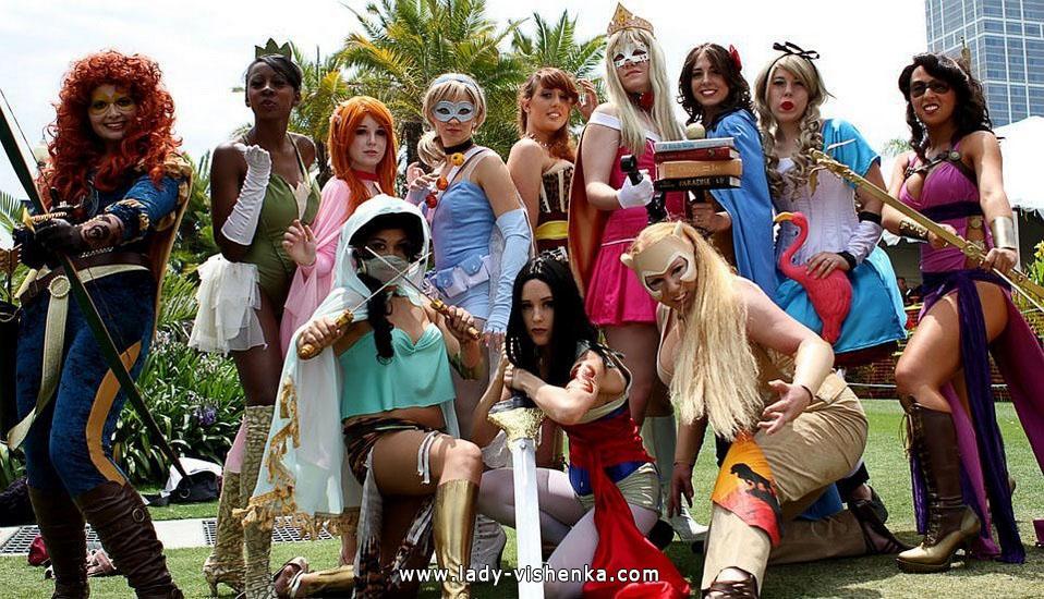 Super-Mädchen auf Halloween