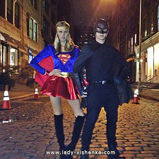 das Mädchen Batman - Kostüm an Halloween