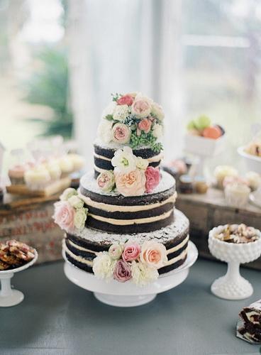 Hochzeitstorte mit Ihren Händen
