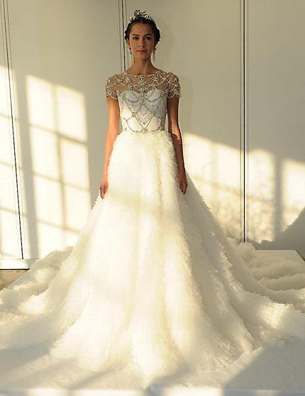 das Brautkleid mit der schleppe und bedeckte Schultern 2016 - Marchesa