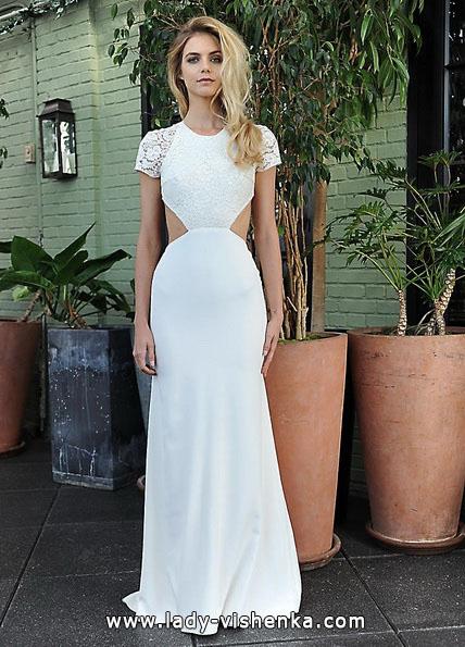Hochzeitskleid mit geschlossenen Schultern und offener Taille