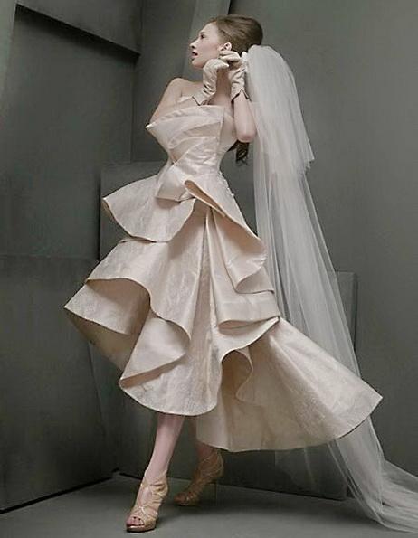 Hochzeitskleid vorne kurz mit Schleier 2016 - St. Pucchi