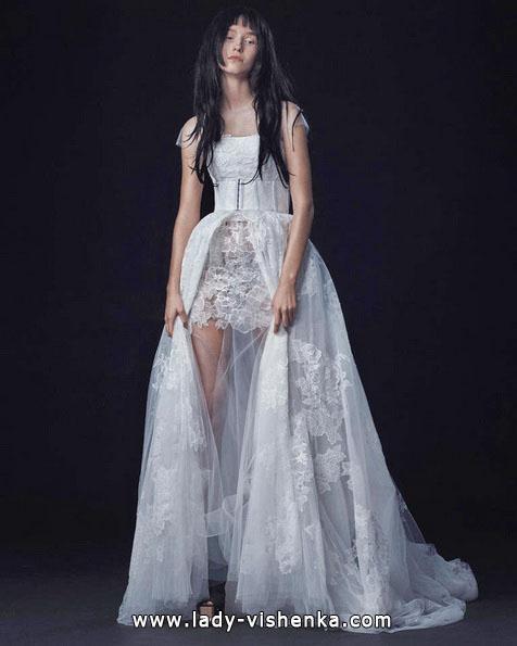 Hochzeitskleid vorne kurz - hinten Zug - Vera Wang