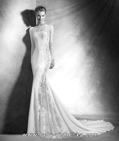 eine Ungewöhnliche Hochzeitskleid mit Spitze ärmeln - Pronovias